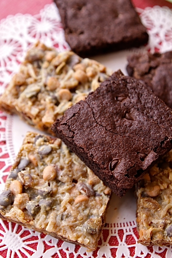 Billy's Bakery Fudge Brownie and Hello Dolly Bar (photo courtesy of Billy's Bakery)